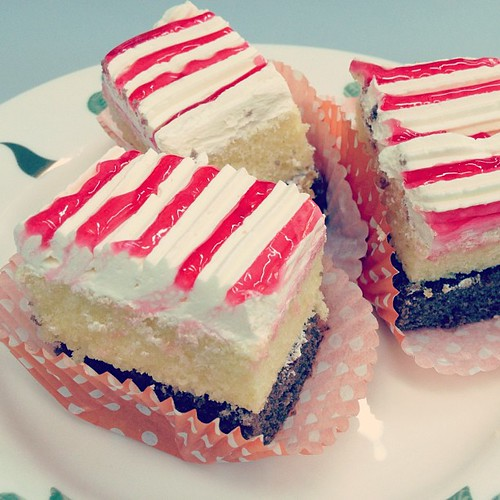Another class: old fashion traditional cakes. Yummy!