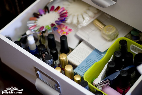Bottom drawer for base/top coats & nail wheels