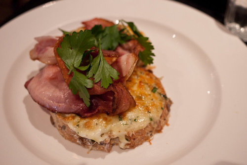 Herb and cheesy toast with bacon