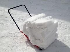 ママダンプに上手く雪を積んだ状態