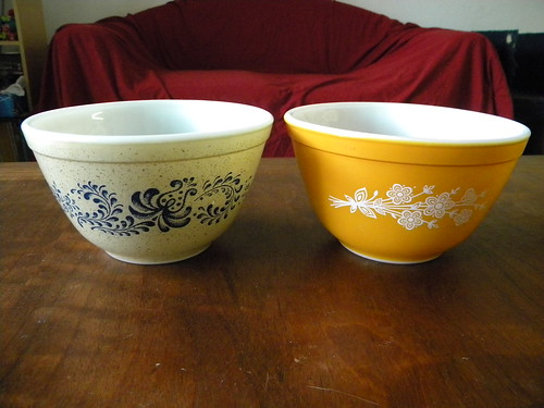 Homestead and Butterfly Gold II Mixing Bowls 401
