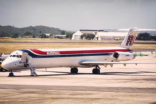 McDonnell Douglas MD-81 Austral. Recife