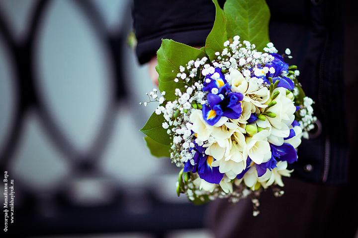 Букет невесты своими руками из живых цветов фото