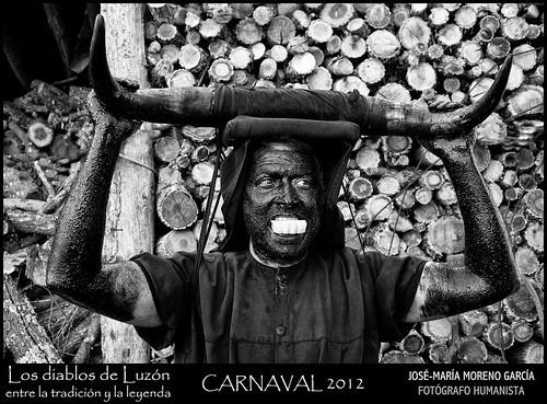 Diablos y Mascaritas en Luzón by José-María Moreno García = FOTÓGRAFO HUMANISTA