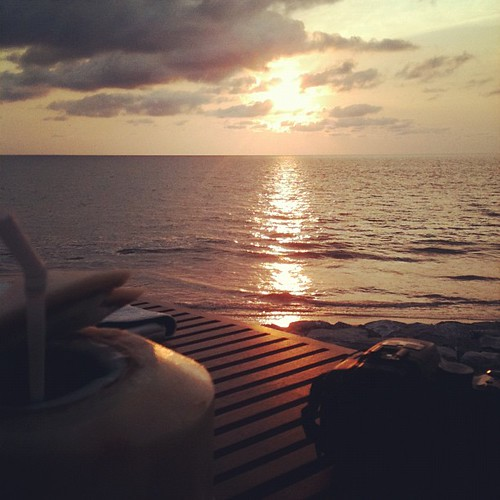 Cocktail, camera and sunset. #thailand #travel
