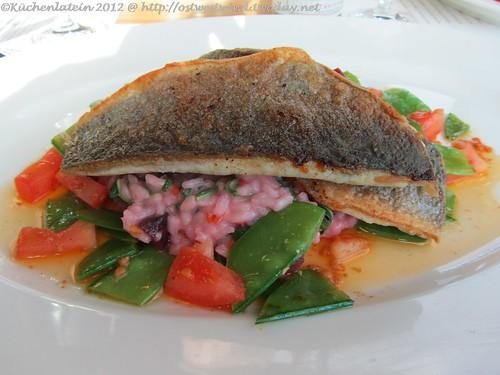 Gebratenes Filet vom Loup de Mer auf Rote Beete Risotto
