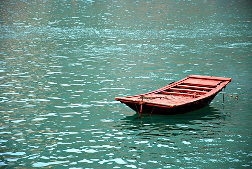boat (ha long bay - viet nam)