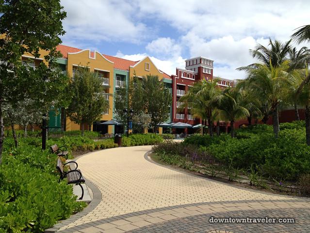Renaissance Curacao Hotel_Cruise ship walkway
