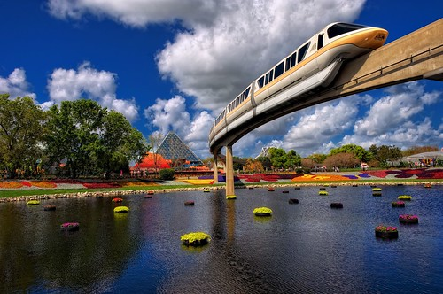 Monorail Monday - Monorail Peach Flower & Garden 2012