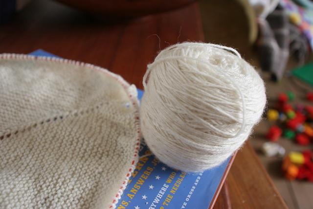 Yarn Along - Damson on my needles and Mason-Dixon Knitting in my Head