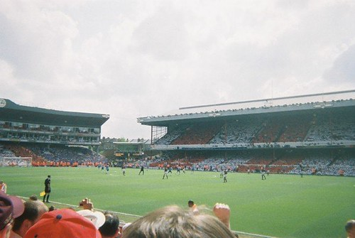 kick off at last game at highbury