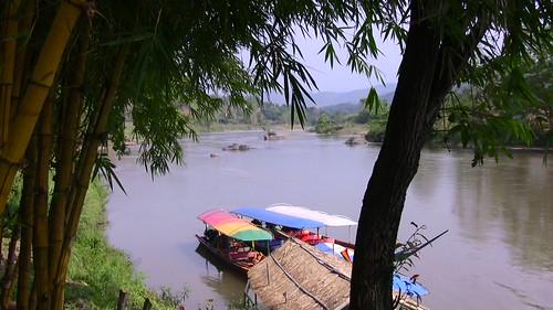 THAILAND, Am Maenam KOK , unsere Boote am Ufer , 104/12348
