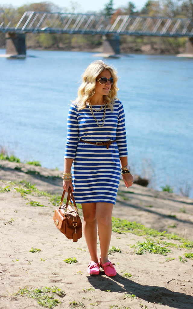 striped dress and pink sperry boat shoes
