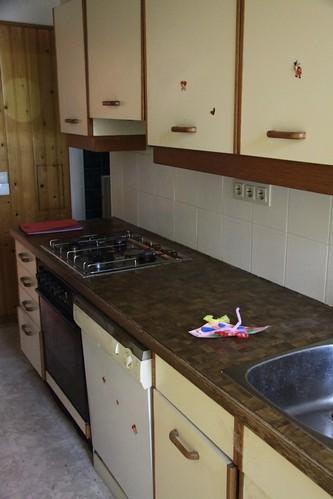 Küche zu verschenken | Beamte helfen