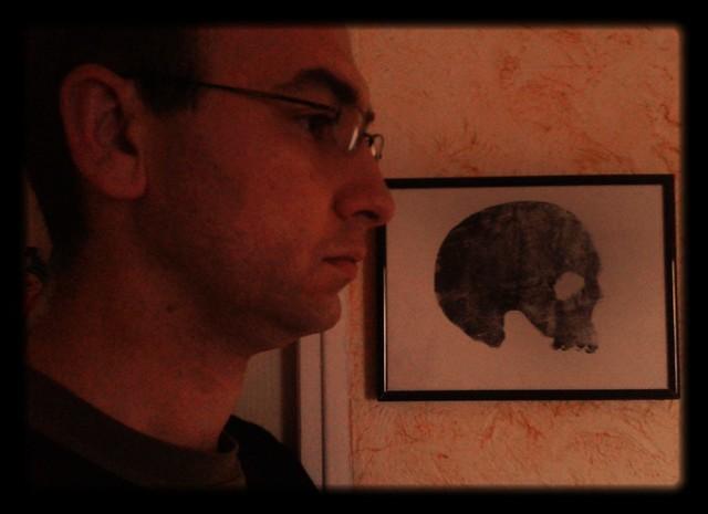 Autoportrait au memento mori.