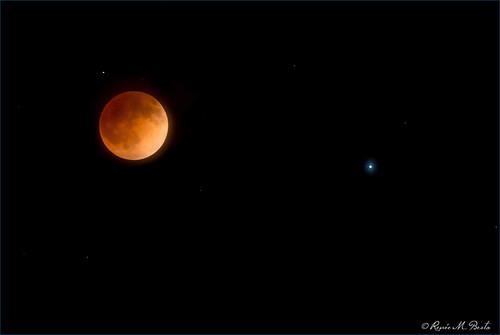 california moon rural fullmoon astronomy centralcoast templeton winecountry pasorobles lunareclipse bloodmoon redmoon sanluisobispocounty spica 2014 penumbra april15 april14 umbra partiallunareclipse tetrad shadowoftheearth totallunareclipse coppermoon nikond800 antumbra reneebesta renmarphotography