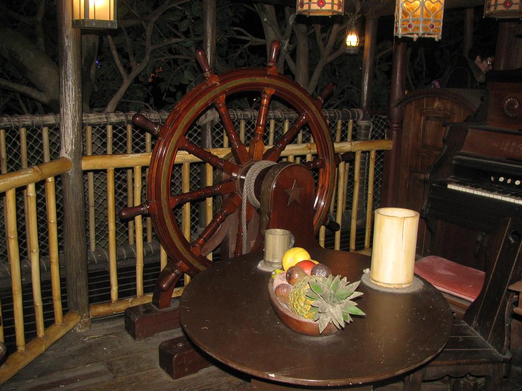 Un séjour pour la Noël à Disneyland et au Royaume d'Arendelle.... - Page 8 13902796681_d182c09973_b