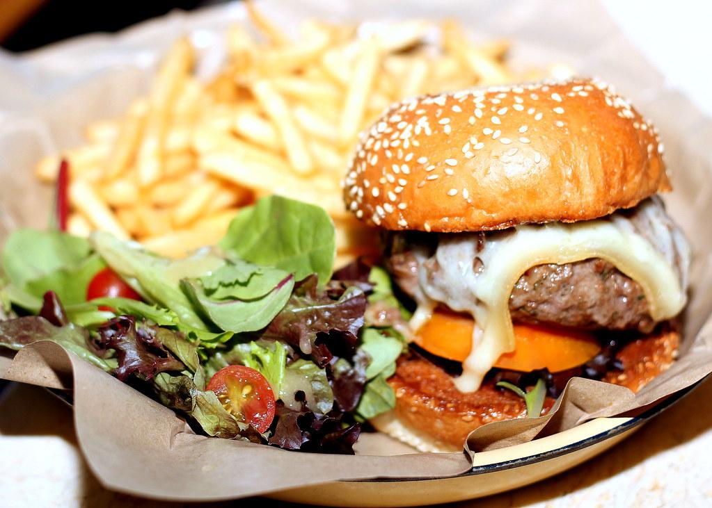 Guide to Jalan Besar & Lavender: Suprette Cafe Suprette Burger