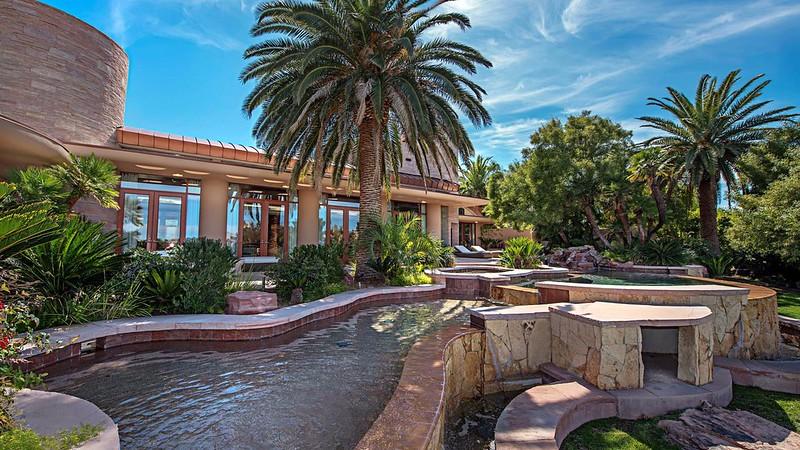 Дорогой дом в Лас-Вегасе Памелы Андерсон