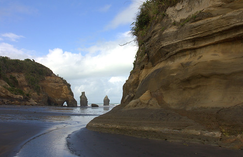 North Taranaki - Tongaporutu (Three (now Two) Sisters) - 572