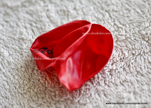 Manualidades para San Valentín: convertir un osito de peluche en un regalo para el día de los enamorados