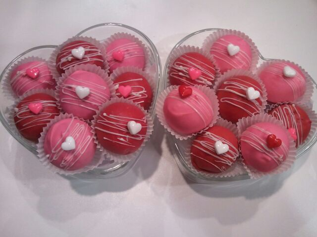 Valentine's day oreo and cake balls | Explore CC sweets' pho ...