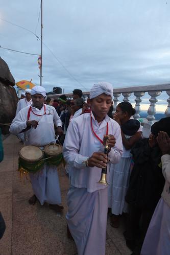 religious drum trumpet ritual priest srilanka ceylon horn adamspeak 鼓 斯里兰卡 号 siripada 祭司 锡兰 亚当峰