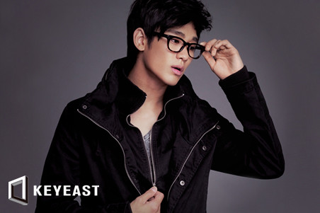 Kim Soo Hyun KeyEast Official Photo Collection 20100831_ksh_05