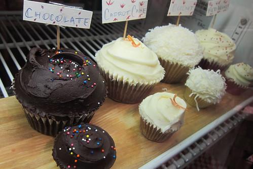 Auntie Em's: Assorted Cupcakes