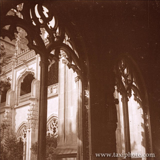 Claustro del Monasterio de San Juan de los Reyes en los años 20. Fotografía de José Villar Martelo