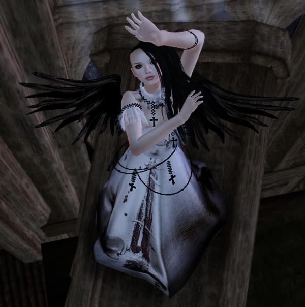 FFL 2012 - MINA - Angelwing - Hush 02