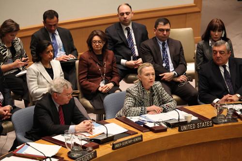 Clinton külügyminiszter az ENSZ biztonsági Tanácsának a közel-keleti helyzettel foglalkozó ülésén