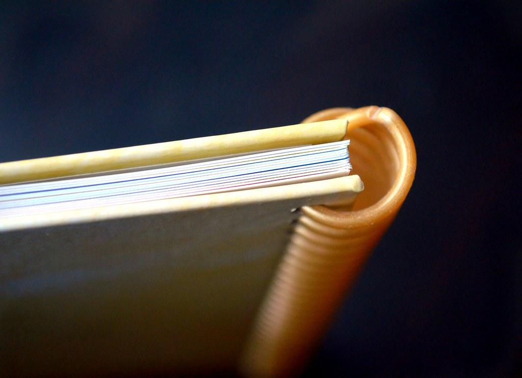 Buchseiten und Buchspirale