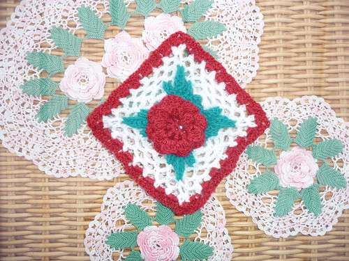 Katou (France) 'Irish Rose' Challenge.Thank you for your Squares and donated Blanket Katou!