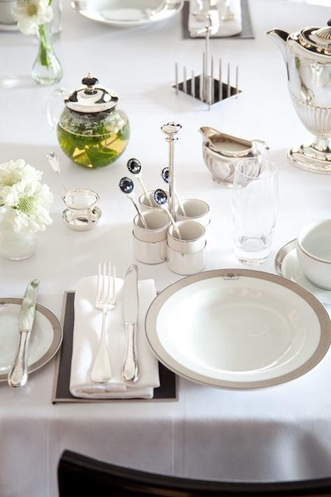 wedwhite glam table