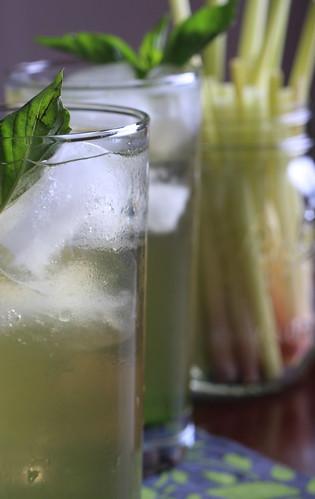 Sweet Basil and Lemongrass Tea