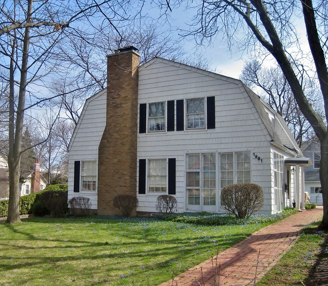 Dutch Colonial Luxury Homes: Flickr: The Dutch Colonial Revival Houses Pool