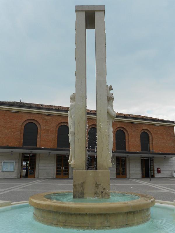 fontana zampillante, Virgilio Milani, Rovigo