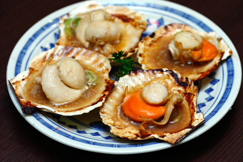 Grilled Scallops in Butter Soya Sauce