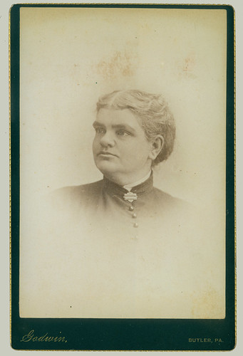 Cabinet Card woman with high collar