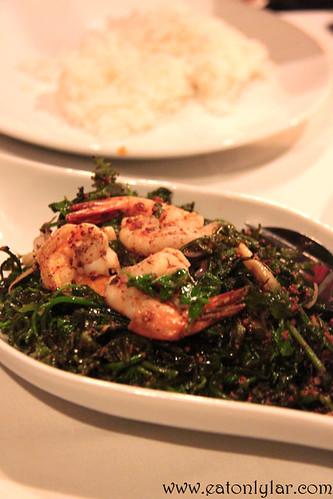 Pucuk Paku Goreng Tahi Minyak, Bijan Bar & Restaurant