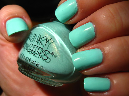Funky Fingers: Mrs. Mint