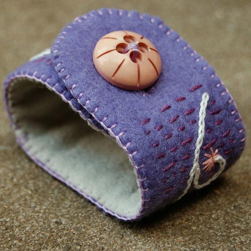 felt cuff 'lavender' [#5]