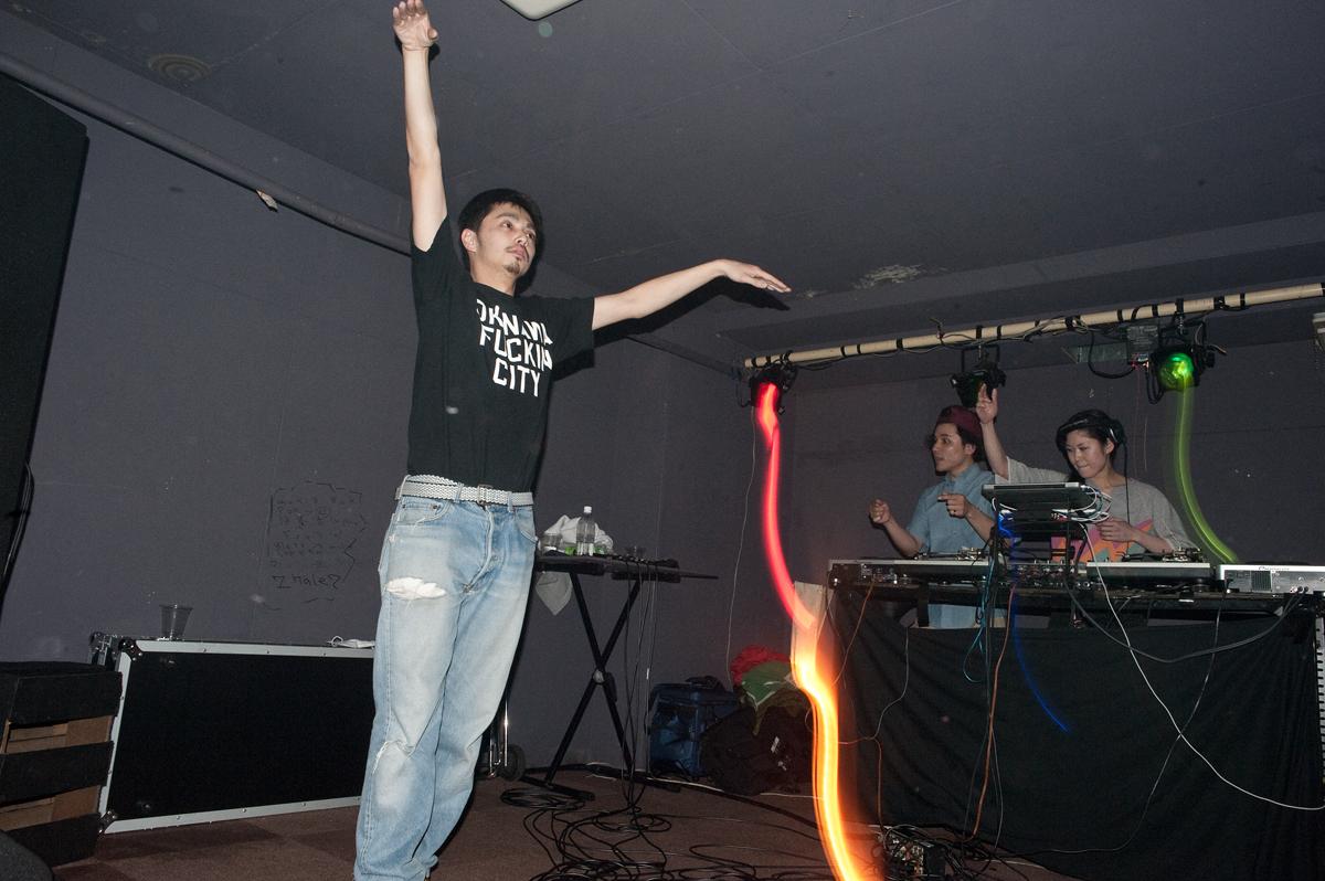 2012-04-14 ワイワイパーティー 鎮座DOPENESS DJ MEW