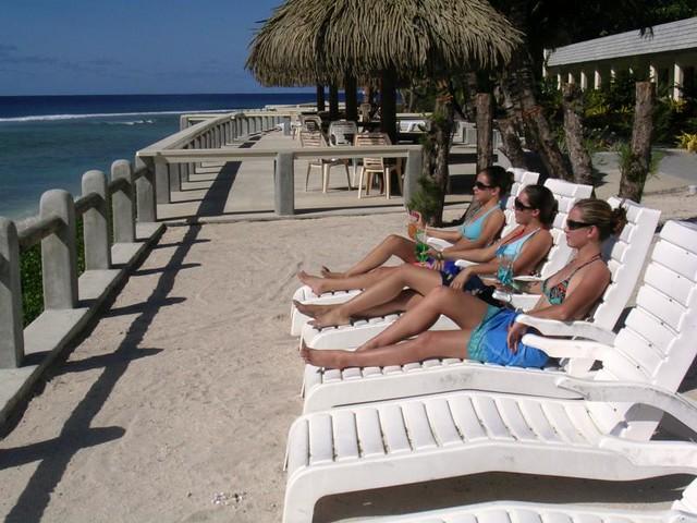 Club Raro girls on sun deck