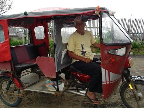 san-clemente-ecuador-taxi