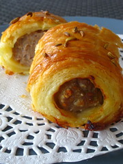 Pork and fennel puff rolls