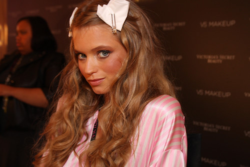 abbey-lee-kershaw-backstage