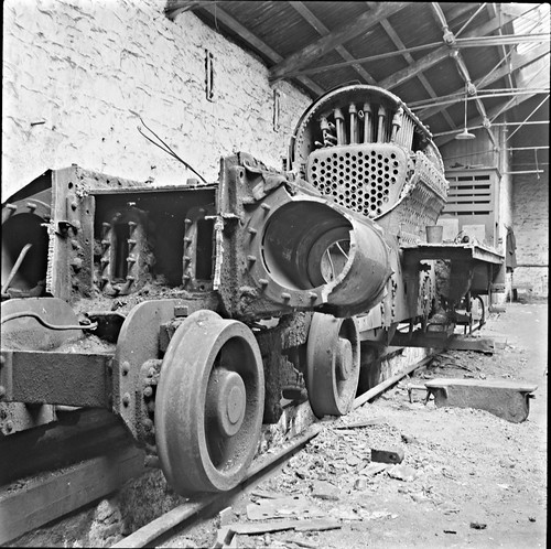 ireland train rust rivets fifties engine trains 1950s tuesday april railways connacht railroads 1959 28th connaught roscommon repairshop engineshed arigna nationallibraryofireland cié jamespodea arignastation corasiompairéirean ballinamorearignabranch odeaphotographiccollection
