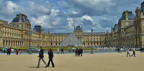 Pyramide du Louvre Paris by Kinzler Pegwell